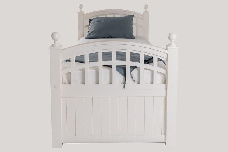 Вид кровати сзади